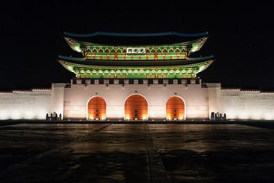 Gwanghwamun at Night