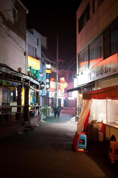 A narrow side street in Songtan.