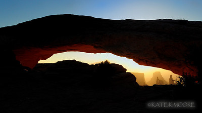 Mesa arch, Canyonlands Utah, crack of dawn