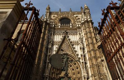 Catedral de Santa Maria de la Sede (16th century) - largest church in the world by volume, Barrio de Santa Cruz, Sevilla