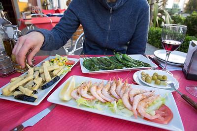 Gambas a la Plancha, Baranjenas con Ensalada y Pimientos Fritos, Bar La Farola, Ronda