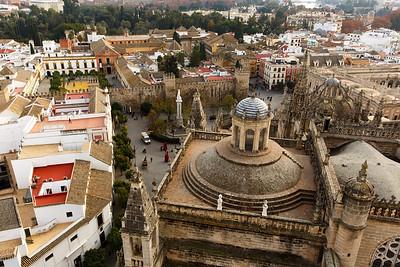View of Alcázar (Est. 14th century), Catedral de Santa Maria de la Sede (16th century) & Barrio de Santa Cruz from Giralda, Sevilla