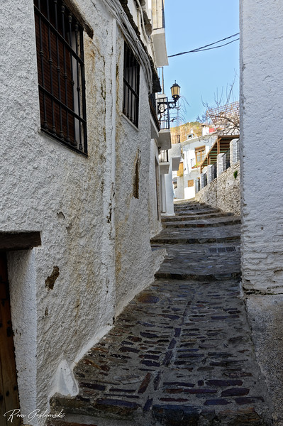 A narrow street in Capileira