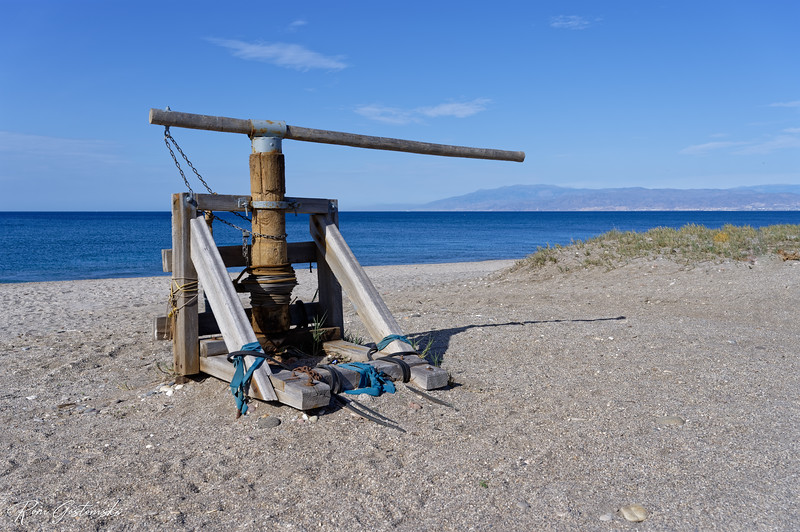 Beach boat winch