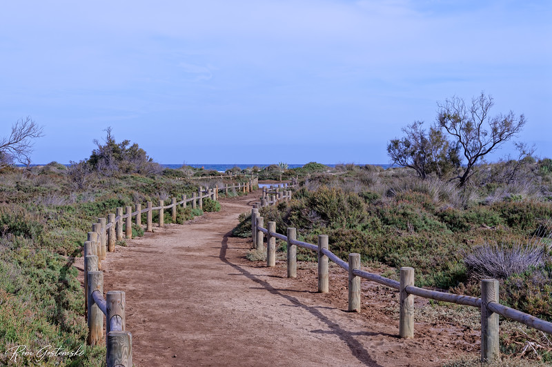 The path to Genoveses beach