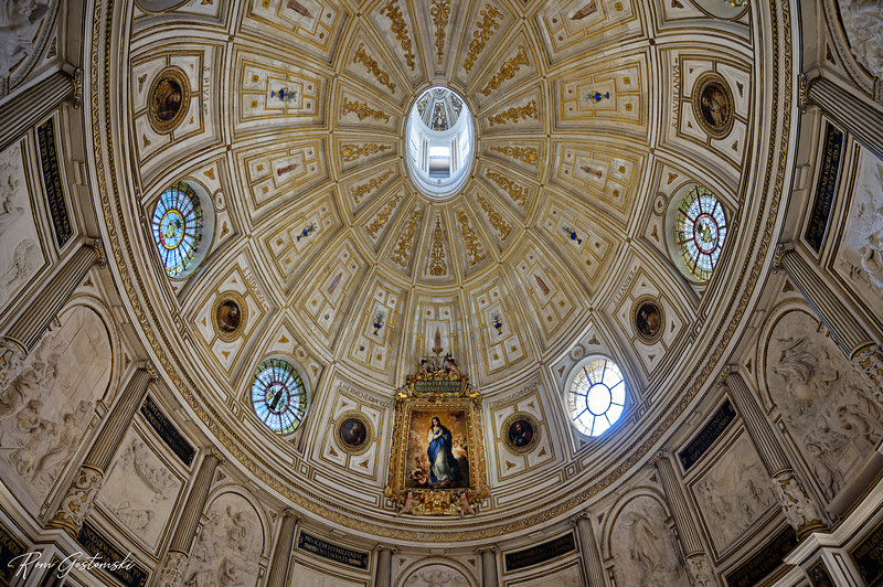 The elliptical Renaissance dome of the chapterhouse in Sevilla Cathedral