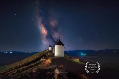 Consuegra y la Vía Láctea