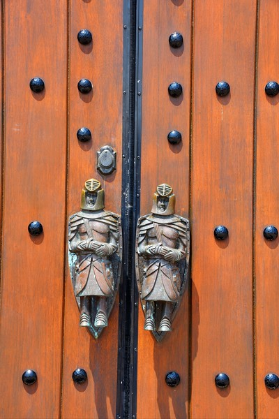 Knights in Armour door handles