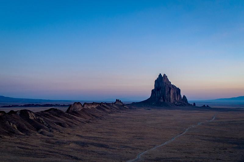 Tsé Bit'a'í [color/landscape]