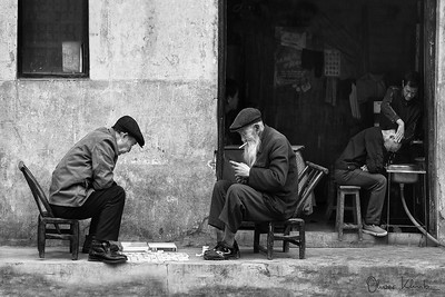 Chinese Chess Players and Hairdresser