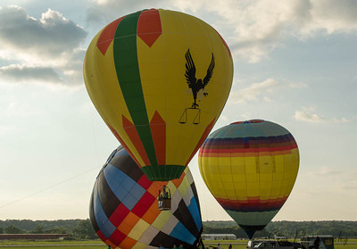 Some of the contestants getting off the ground.  The contest this evening is a chase after the first balloon up.