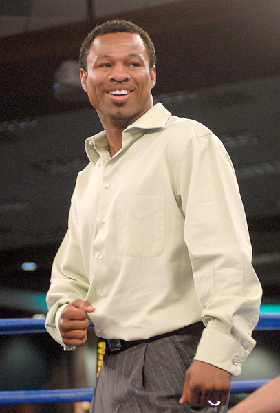 (3.30.2007 - Desert Diamond Casino)  Sugar Shane Mosley makes an appearance during the Golden Boy Promotion fight card at the Desert Diamond Casino.