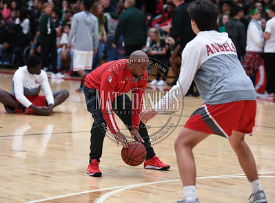 Smoky Hill and Denver East basketball compete in the 3rd round of the 2017 Colorado State Basketball Tournament on March 1, 2017.