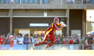 31 Dec 2007 Townsville, Qld, Australia -  Michael Kasprowicz in action during the Queensland Bulls v Victoria Bushrangers 20/20 match at Townsville's Riverway Stadium - PHOTO: CAMERON LAIRD (Ph: 0418 238811)