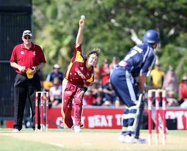 31 Dec 2007 Townsville, Qld, Australia -  Shane Watson bowls to Victorian captain Brad Hodge during the Queensland Bulls v Victoria Bushrangers 20/20 match at Townsville's Riverway Stadium - PHOTO: CAMERON LAIRD (Ph: 0418 238811)