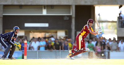 31 Dec 2007 Townsville, Qld, Australia -  Michael Kasprowicz in action for the Queensland Bulls v Victoria Bushrangers 20/20 match at Townsville's Riverway Stadium - PHOTO: CAMERON LAIRD (Ph: 0418 238811)