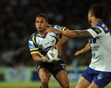 08 Sep 2007 Townsville, Qld, Australia - Matt Bowen offloads in the second half of the Cowboys 20-18 win over the Bulldogs - North Queensland Cowboys v Bulldogs (Dairy Farmers Stadium) - PHOTO: CAMERON LAIRD (Ph: 0418 238811)