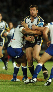 08 Sep 2007 Townsville, Qld, Australia - Ray Cashmere tries to power through the Bulldogs defensive line - North Queensland Cowboys v Bulldogs (Dairy Farmers Stadium) - PHOTO: CAMERON LAIRD (Ph: 0418 238811)