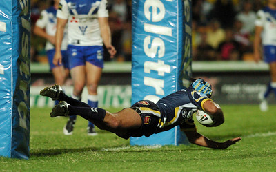 08 Sep 2007 Townsville, Qld, Australia - Johnathan Thurston scores - North Queensland Cowboys v Bulldogs (Dairy Farmers Stadium) - PHOTO: CAMERON LAIRD (Ph: 0418 238811)