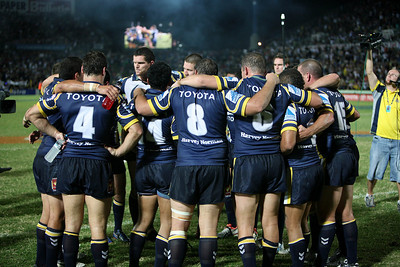 08 Sep 2007 Townsville, Qld, Australia - Cowboys players celebrate their 20-18 win - North Queensland Cowboys v Bulldogs (Dairy Farmers Stadium) - PHOTO: CAMERON LAIRD (Ph: 0418 238811)