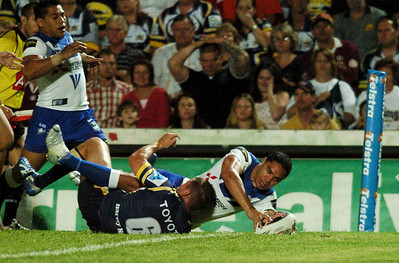 08 Sep 2007 Townsville, Qld, Australia - Willie Tonga scores in the first half - North Queensland Cowboys v Bulldogs (Dairy Farmers Stadium) - PHOTO: CAMERON LAIRD (Ph: 0418 238811)