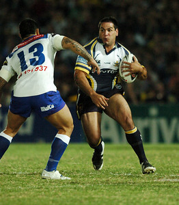 08 Sep 2007 Townsville, Qld, Australia - Carl Webb charges at Bulldog Reni Maitua - North Queensland Cowboys v Bulldogs (Dairy Farmers Stadium) - PHOTO: CAMERON LAIRD (Ph: 0418 238811)