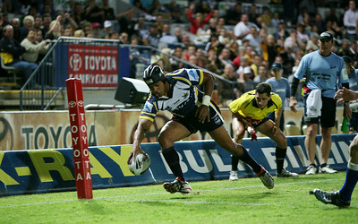 31 Aug 2007 Townsville, Qld, Australia - Ty Williams scores for the Cowboys in the first half - North Queensland Cowboys v Bulldogs (Dairy Farmers Stadium) - PHOTO: CAMERON LAIRD (Ph: 0418 238811)