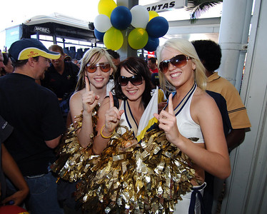 28 SEP 2005 TOWNSVILLE, QLD - North Queensland Cowboys cheergirls at the Townsville airport - PHOTO: CAMERON LAIRD