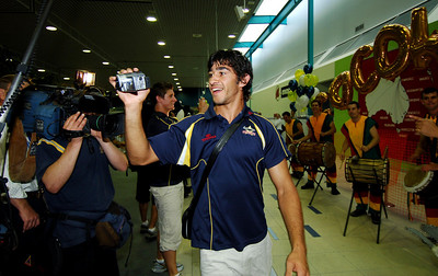 28 SEP 2005 TOWNSVILLE, QLD - North Queensland Cowboys star Johnathan Thurston at the Townsville airport before departing to take on the Wests Tigers in the NRL grand final - PHOTO: CAMERON LAIRD