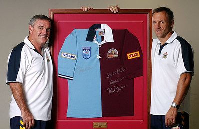 15 DEC 2005 TOWNSVILLE, QLD - North Queensland Cowboys coach Graham Murray and assistant coach Neil Henry will be on either sides of the fence during the 2006 State of Origin series.  Murray has been appointed coach of the Blues and Henry assistant coach of the Maroons - PHOTO: CAMERON LAIRD