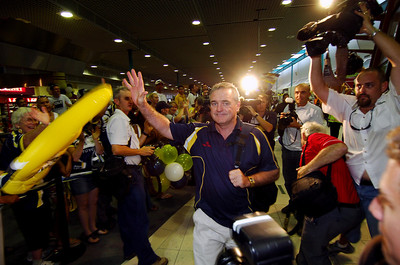 28 SEP 2005 TOWNSVILLE, QLD - North Queensland Cowboys coach Graham Murray at the Townsville airport before departing to take on the Wests Tigers in the NRL grand final - PHOTO: CAMERON LAIRD