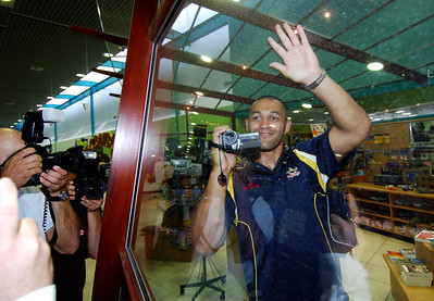 28 SEP 2005 TOWNSVILLE, QLD - North Queensland Cowboys prop and team joker Paul Rauhihi at the Townsville airport before departing to take on the Wests Tigers in the NRL grand final - PHOTO: CAMERON LAIRD