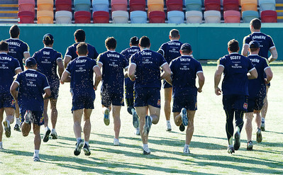 26 AUG 2006 TOWNSVILLE, QLD - Cowboys training before their away match against the Rabbitohs - PHOTO: CAMERON LAIRD