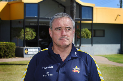 25 AUG 2006 TOWNSVILLE, QLD - Cowboys coach Graham Murray speaks with media the day after Mitchell Sargent was sacked for cocaine use - PHOTO: CAMERON LAIRD