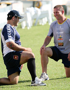 15 Sep 2007 Townsville, Qld, Australia - Carl Webb (talking with Jason Smith) makes a surprise appearance at Cowboys training - PHOTO: CAMERON LAIRD (Ph: 0418 238811)