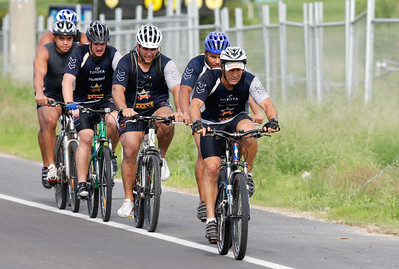 06 January 2009 Townsville, Qld - Billy Johnstone led Matt Bowen, Carl Webb, Steve Southern, Willie Tonga and Antonio Kaufusi on an intensive bike session at North Queensland Cowboys training - Photo: Cameron Laird (Ph: 0418 238811)