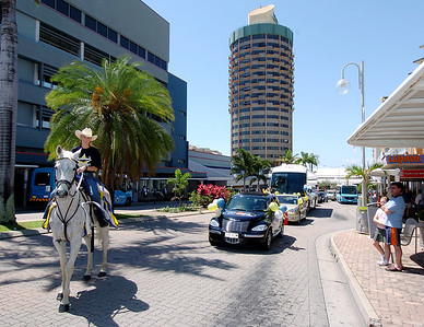 24-SEP-2004  TOWNSVILLE, QLD - The Cowboys team bus convoy passes through the city as the team leave for their clash with the Roosters - PHOTO: CAMERON LAIRD
