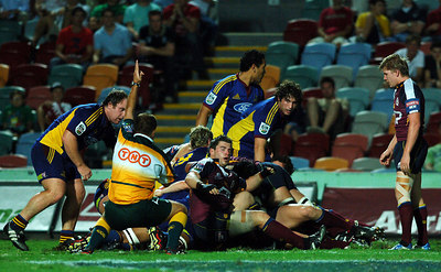 12 MAY 2006 TOWNSVILLE, QLD - David Croft scores under a pack during the opening half of the Queensland Reds Super 14 match against the Highlanders at Dairy Farmers Stadium, Townsville - PHOTO: CAMERON LAIRD