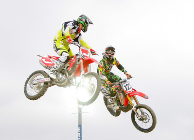 22 November 2008 Townsville, Qld - Jeremy McGrath (J) looks across at Daniel Reardon (122) during a pass at Round 6 of Super X at Townsville's Dairy Farmers Stadium - Photo: Cameron Laird (Ph: 0418 238811)