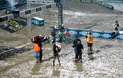 22 November 2008 Townsville, Qld - Wet conditions at Round 6 of Super X at Townsville's Dairy Farmers Stadium - Photo: Cameron Laird (Ph: 0418 238811)