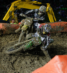 22 November 2008 Townsville, Qld - Wet conditions during Round 6 of Super X at Townsville's Dairy Farmers Stadium - Photo: Cameron Laird (Ph: 0418 238811)