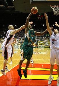 20 Oct 2007 Townsville, Qld, Australia - Galen Young powers to the basket - Townsville Crocodiles v Adelaide 36'ers - PHOTO: CAMERON LAIRD (Ph: 0418 238811)