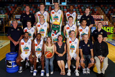 21 SEP 2005 TOWNSVILLE, QLD - Townsville McDonald's Crocodiles 2005-2006 Sponsors Photos.  Twin Cities Pool Supplies - PHOTO: CAMERON LAIRD