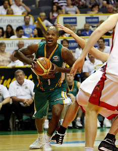 01 Dec 2007 Townsville, Qld - Crocs import Galen Young makes a move to the basket - Townsville Crocodiles v Perth Wildcats (Townsville Entertainment & Convention Centre) - PHOTO: CAMERON LAIRD (Ph: 0418 238811)