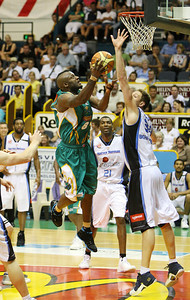 12 Jan 2008 Townsville, Qld, Australia - Corey Williams shoots in the third quarter - Townsville Crocodiles v New Zealand Breakers (Townsville Entertainment & Convention Centre) - PHOTO: CAMERON LAIRD (Ph: 0418238811)