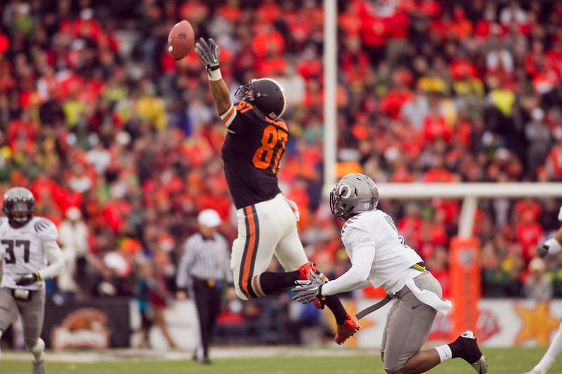 Oregon State Beavers tight end Joe Halahuni (87) jumps for a pass at the 114th annual Civil War. UO Defeated OSU 37-20 in the game at Reser Stadium in Corvallis Oregon.