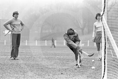 Beth Anders, Joan Moser, Julie Staver, 1976