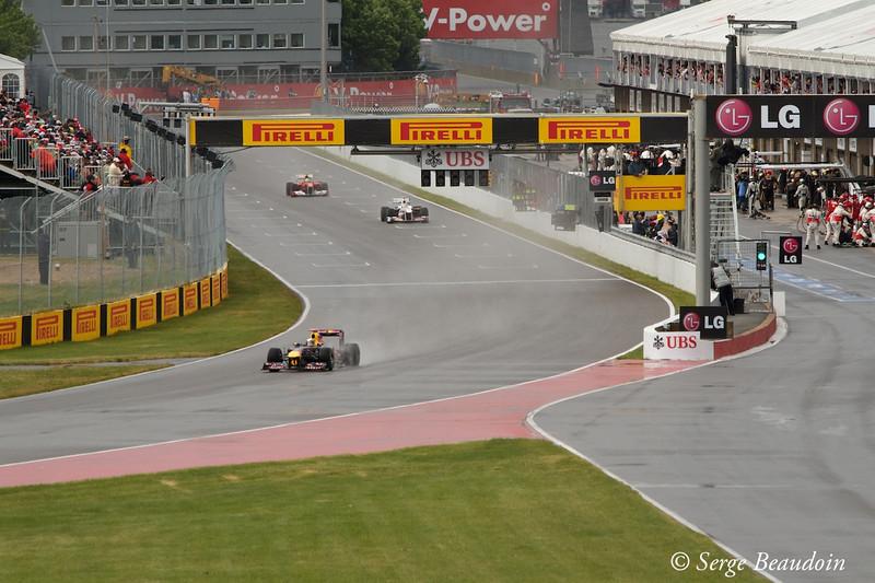 Vettel in the lead at restart