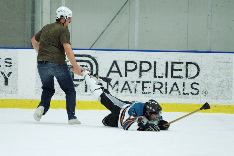 20081214_Broomball  129