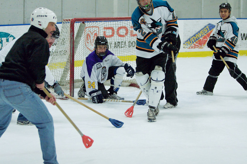 20081214_Broomball  093